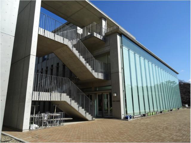 東洋大学 食堂棟