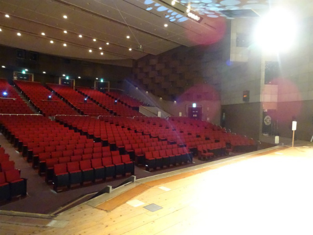 大ホール舞台袖